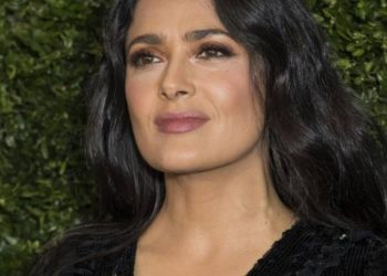 salma-hayek-never-washes-her-face-upon-waking-up:-see-why